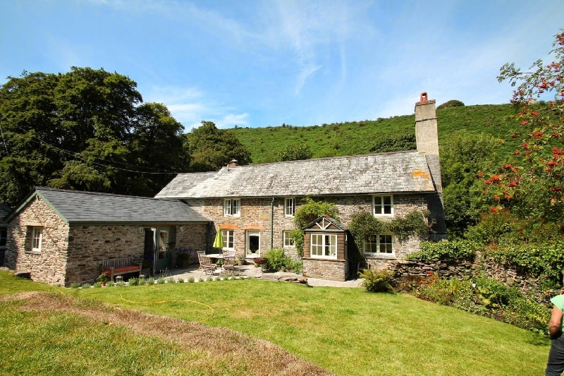 Click here for more about Poocks Cottage
