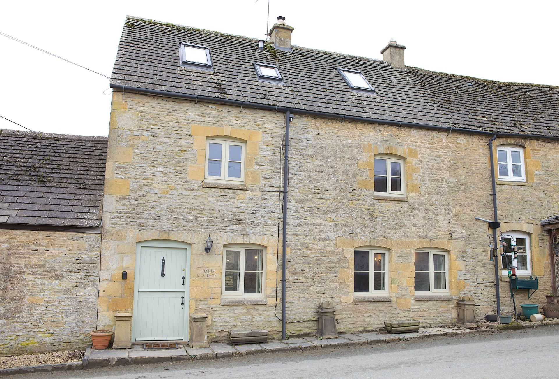 Click here for more about Hope Cottage (Naunton)