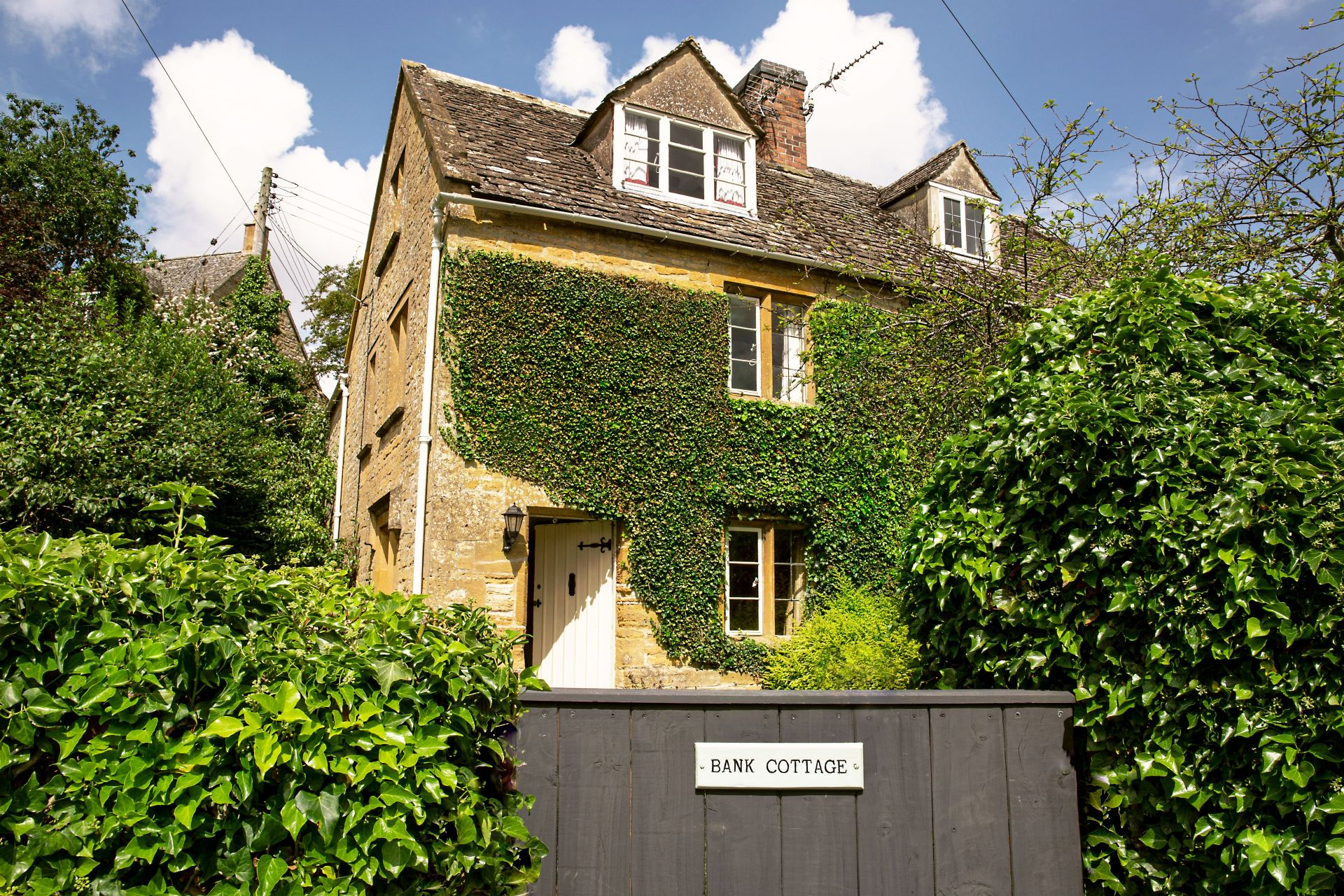 Click here for more about Bank Cottage (Longborough)