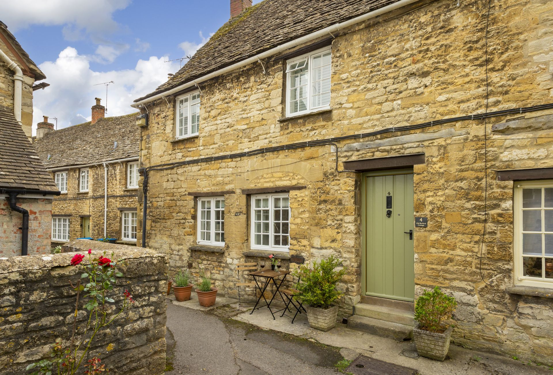 Click here for more about Old Burford Cottage