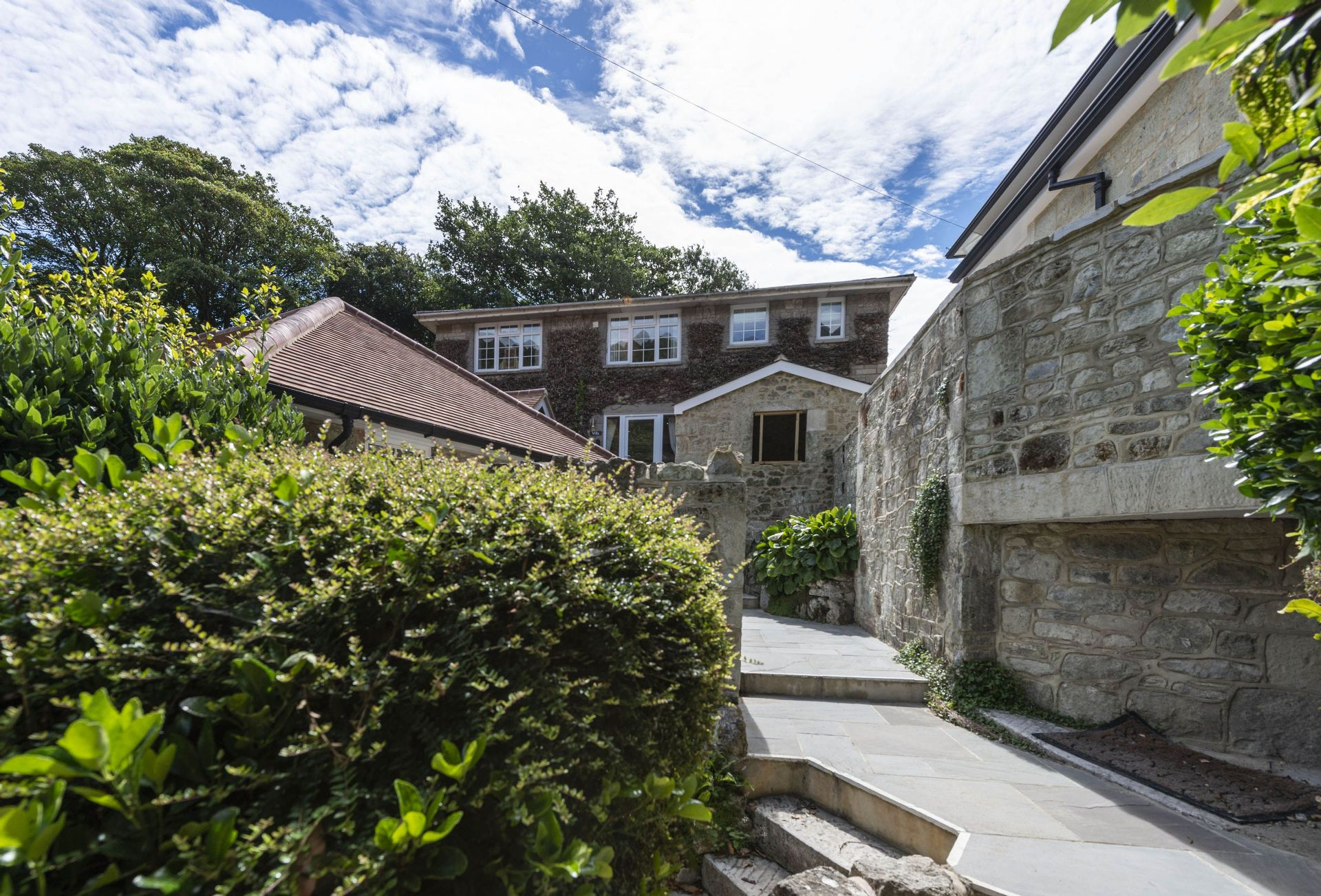 Click here for more about Orchard Leigh Villa