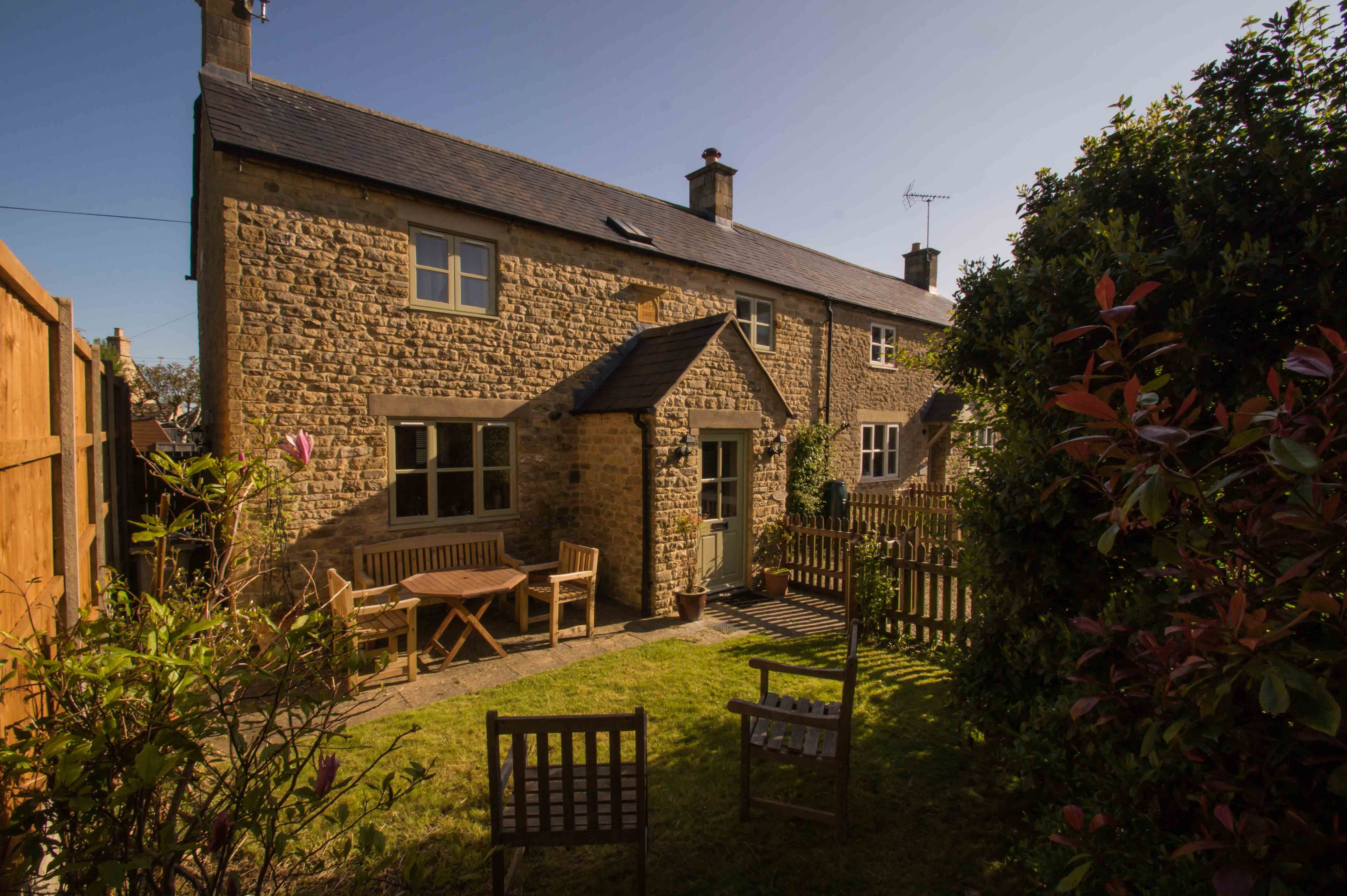 Click here for more about Devon House Cottage