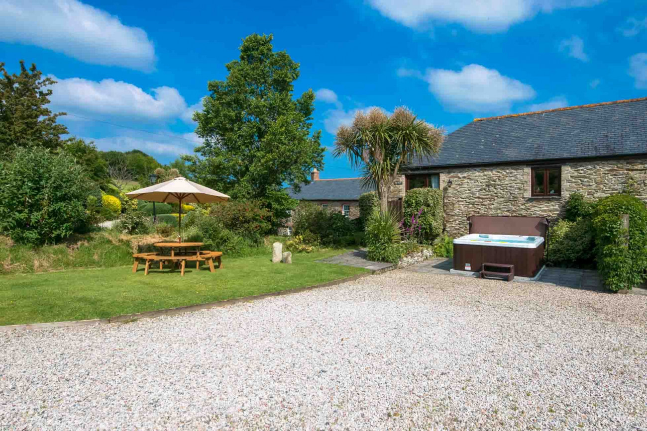 Click here for more about Mill House at Goonwinnow