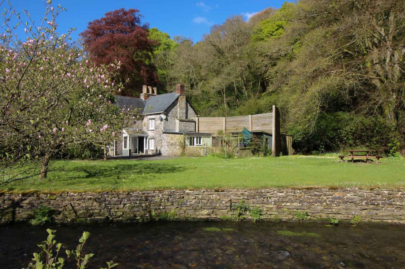Click here for more about Lamellen Lodge