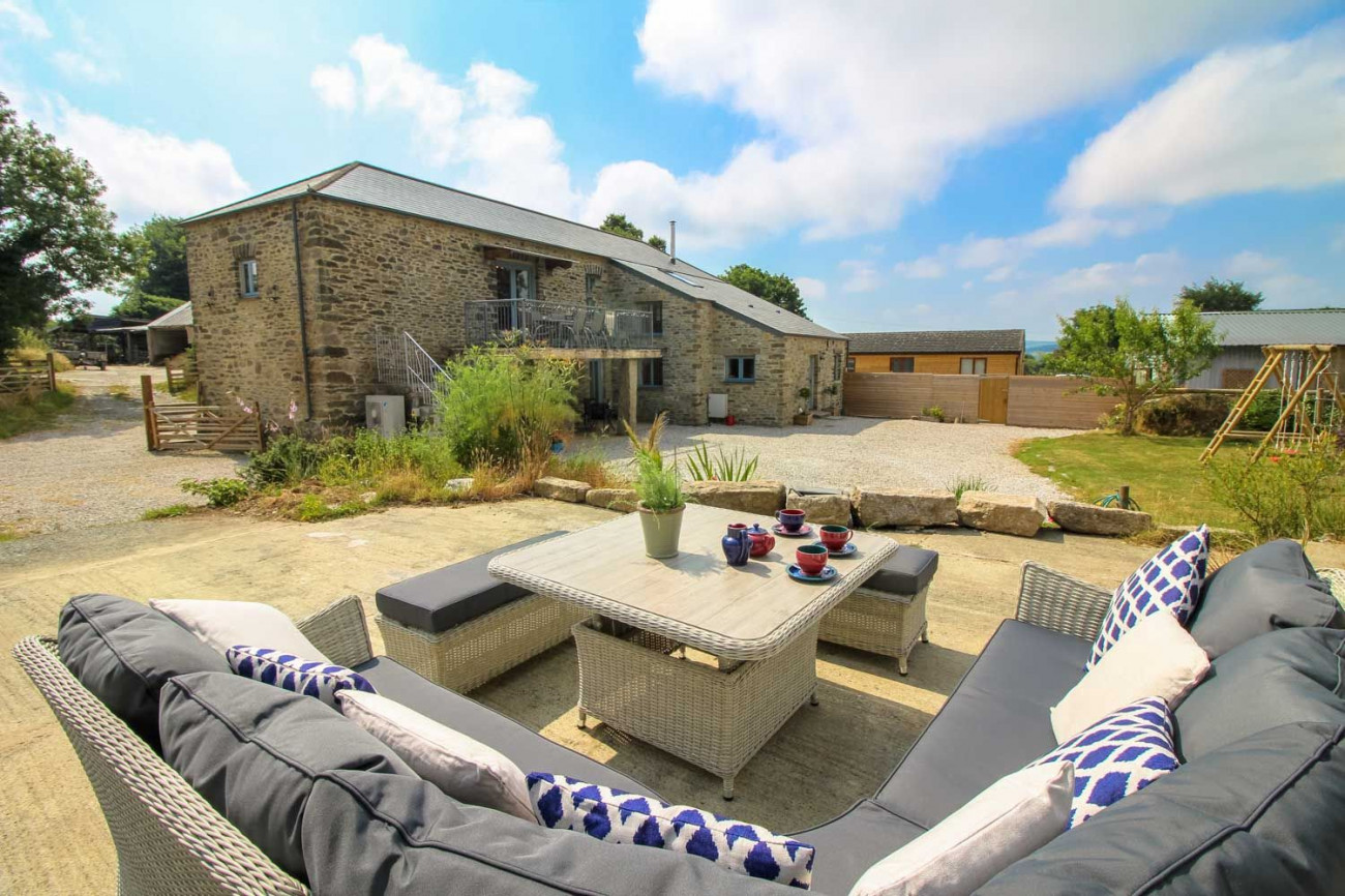 Click here for more about Lanxton Barn