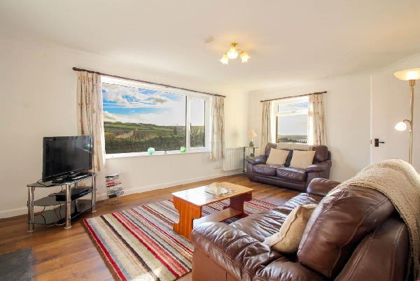Driftwood at Widemouth Bay is in Widemouth Bay, cornwall