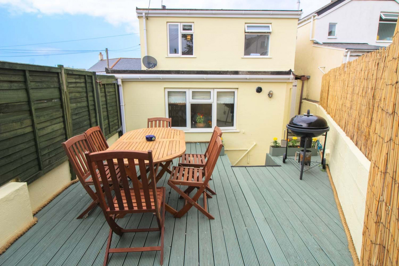 Click here for more about Sunny Corner Cottage