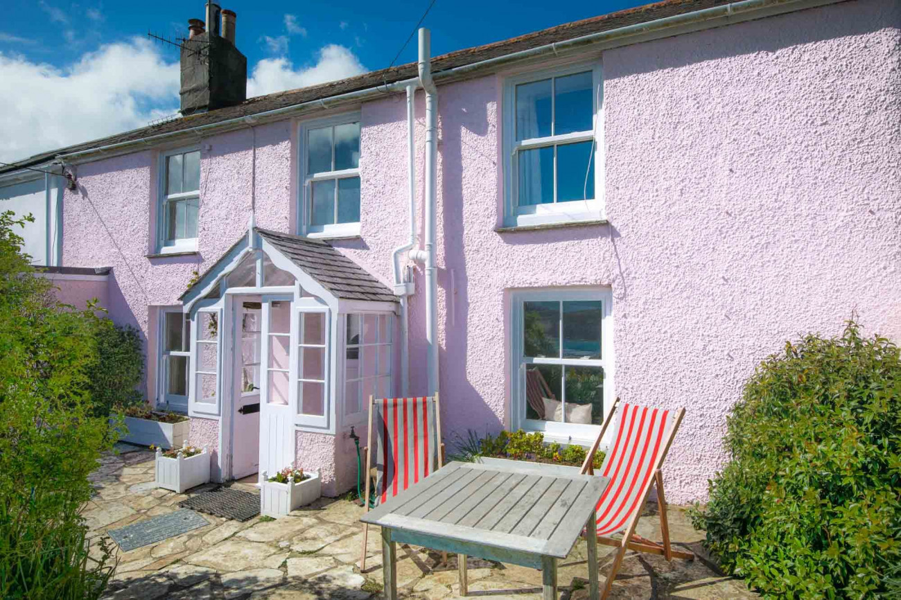 Click here for more about Camellia Cottage