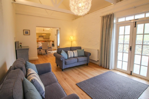Bellot Cottage is in The Lizard, cornwall