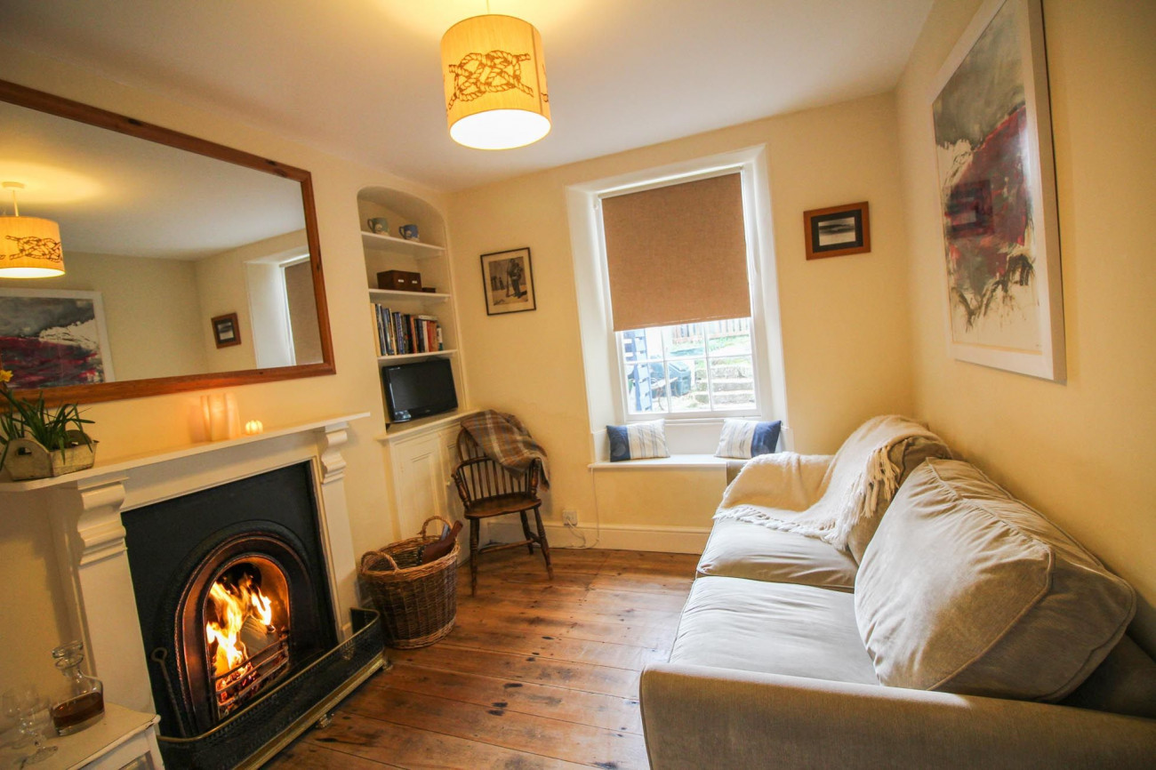Click here for more about Mariners Cottage