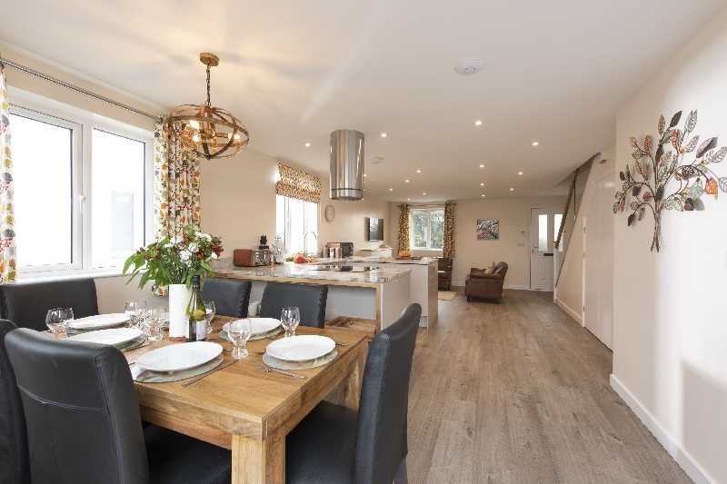 Holly Cottage - The Woodland Collection sleeps 6