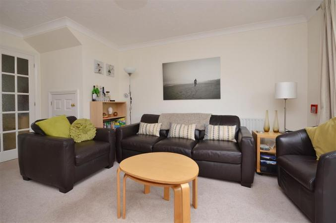 4 Forest Edge Close is located in Sway