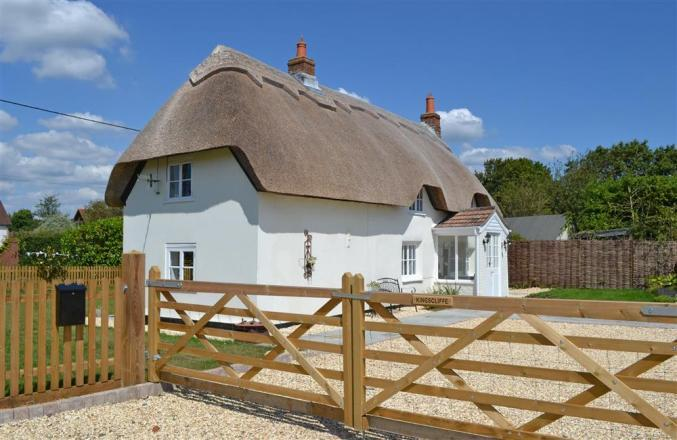 Click here for more about Kingscliffe Cottage
