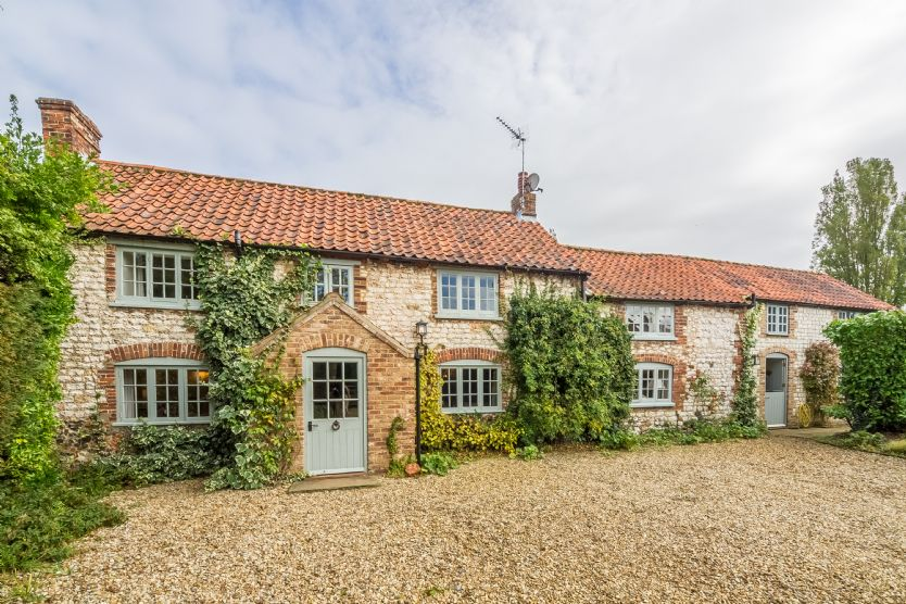 Click here for more about Westgate Cottage (Holme)