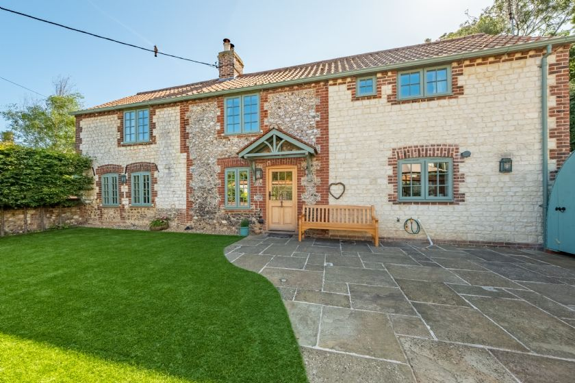 Click here for more about Pine Cottage