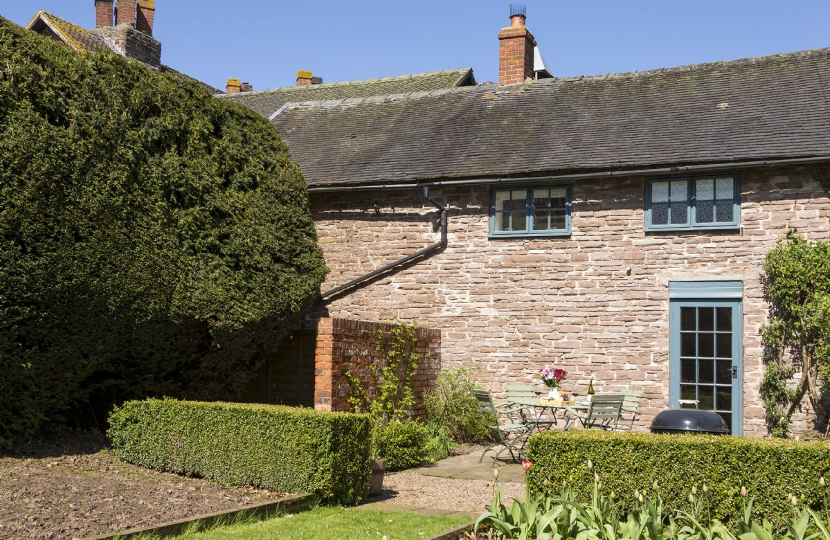 Click here for more about Yewtree Cottage