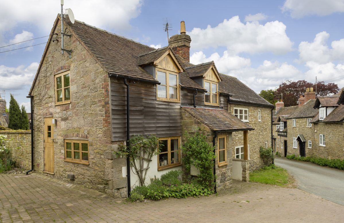 Click here for more about New Inn Cottage
