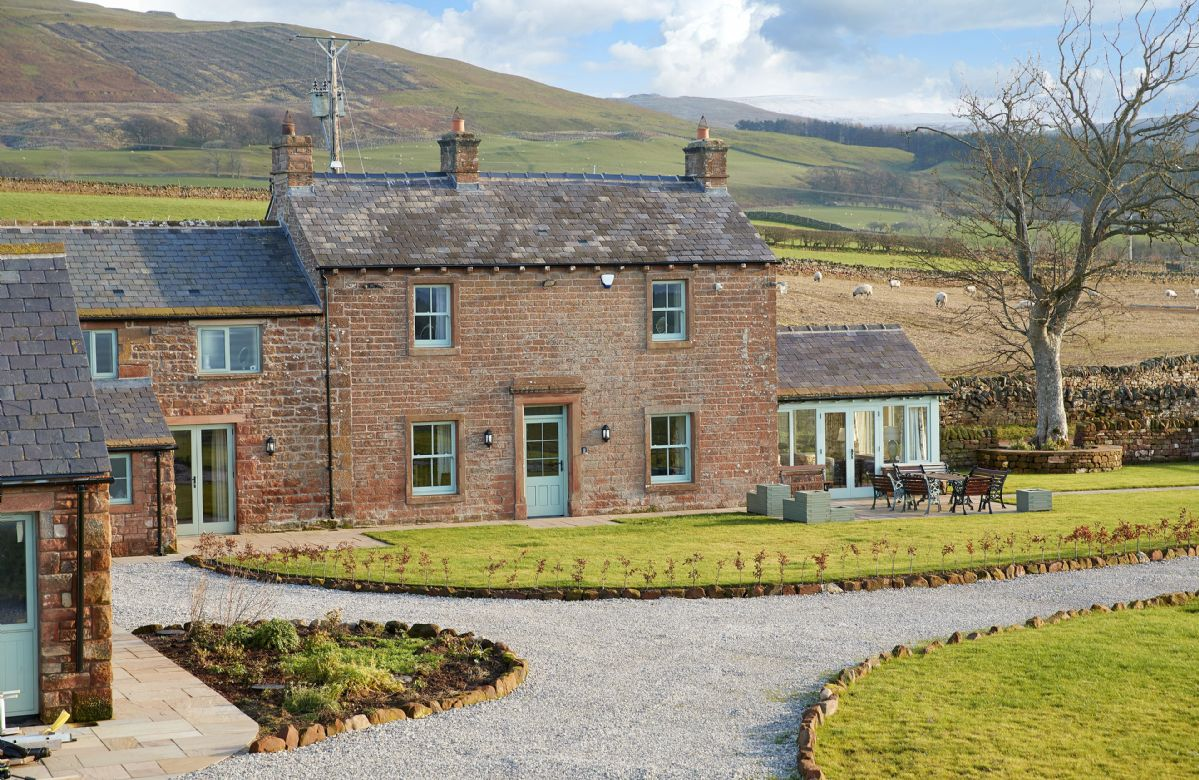 Click here for more about Todd Hills Hall Farmhouse