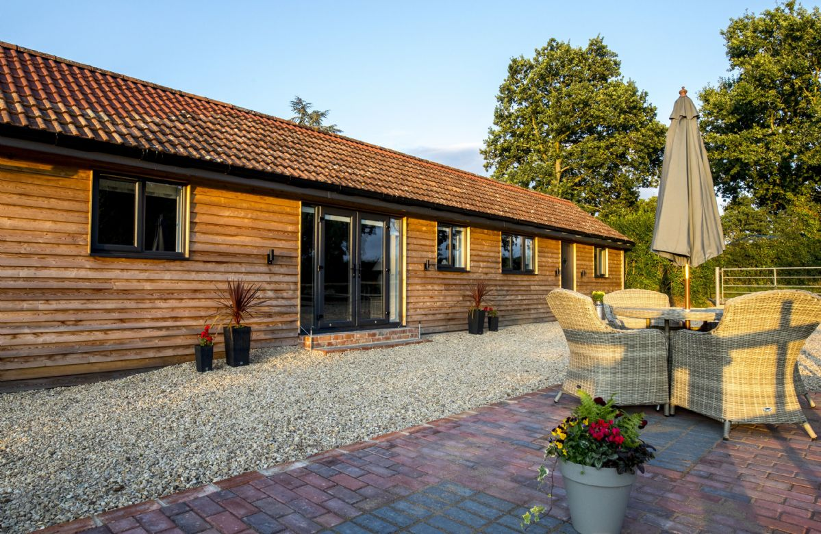 Click here for more about Oak Tree Barn