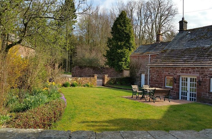 Click here for more about Stag Cottage