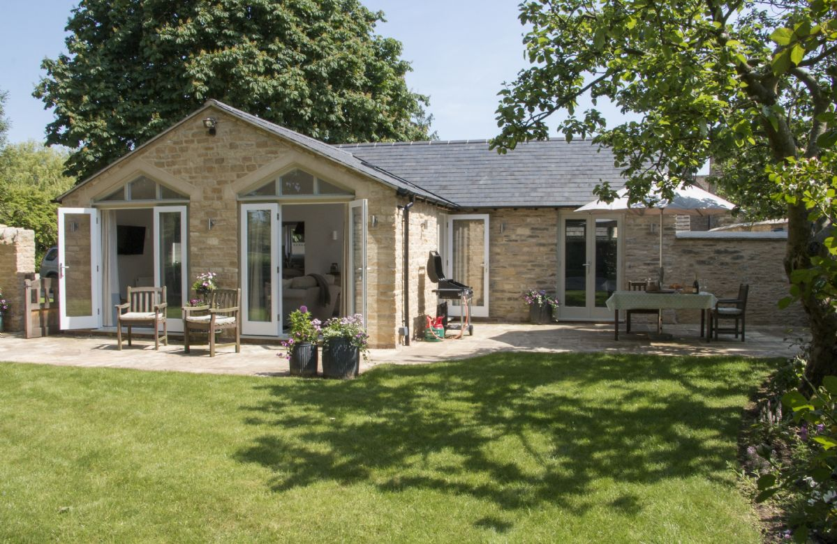 Click here for more about Hunter Cottage
