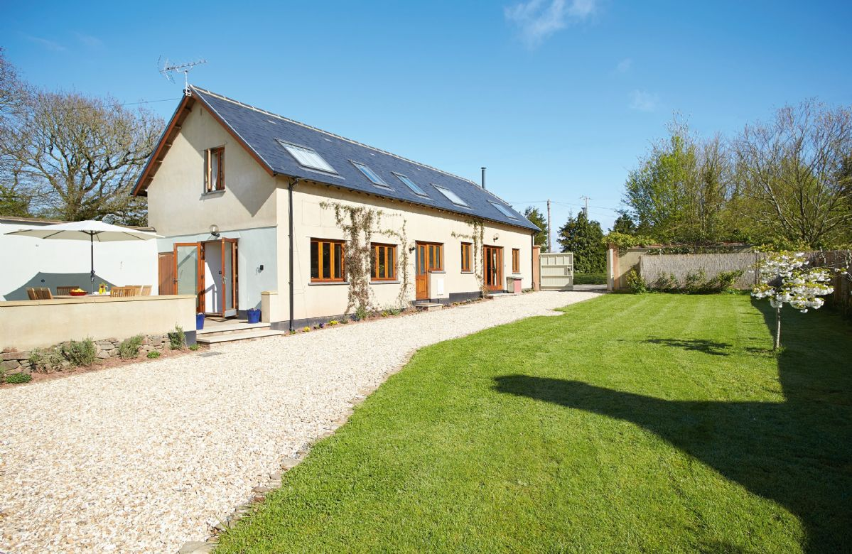 Click here for more about Long Meadow Barn