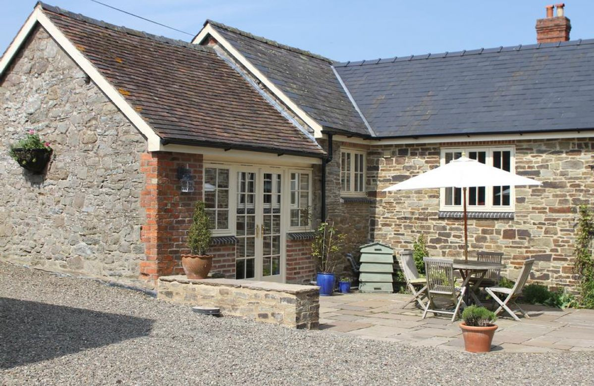 Click here for more about Blacksmiths Cottage