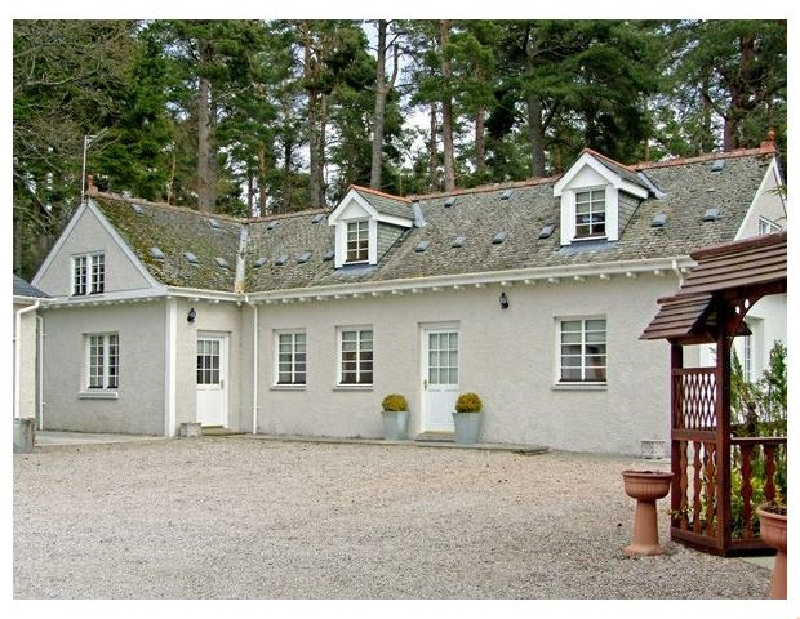 Click here for more about Dunstaffnage Cottage