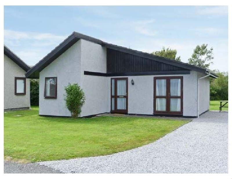 Click here for more about 3 Laigh Isle