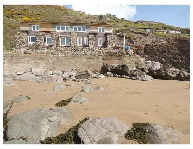 Click here for more about Scylla View Cottage