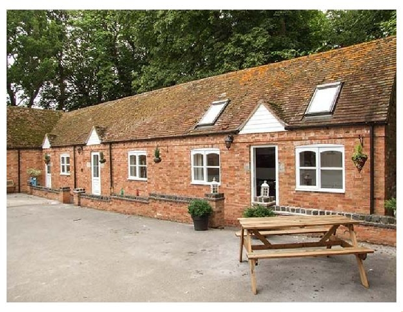 Click here for more about Finwood Cottage 2