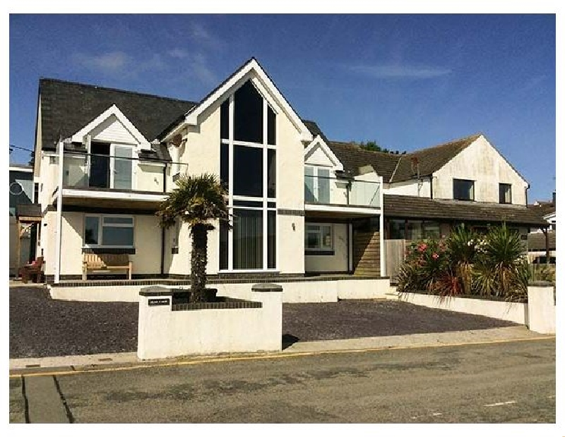 Click here for more about Glan Y Mor