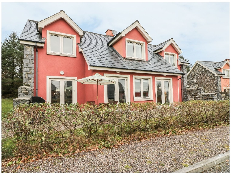 Click here for more about Ring of Kerry Golf Club Cottage