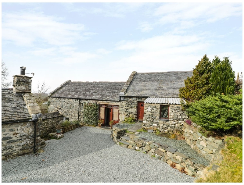 Details about a cottage Holiday at Ty Gwennol at Gilfach Goch