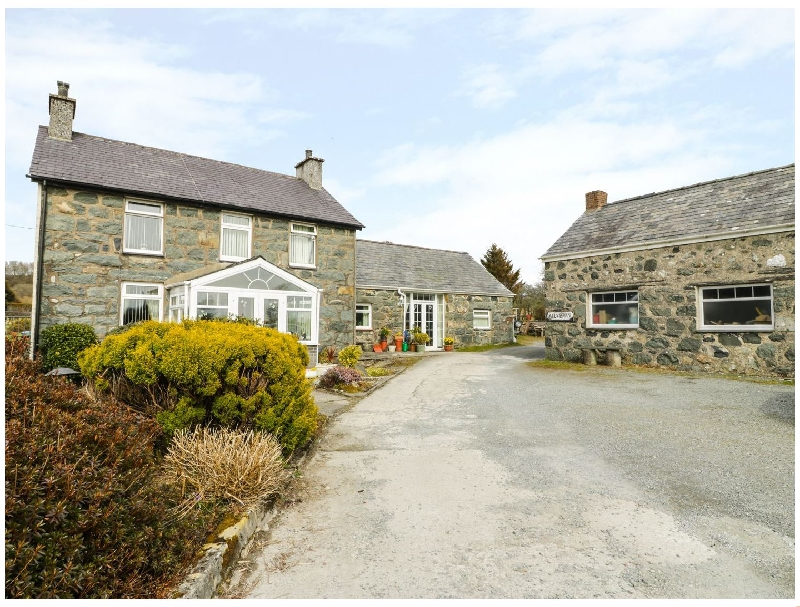 Click here for more about Bwthyn Ael Y Bryn