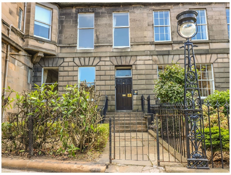Details about a cottage Holiday at 3 Lynedoch Place