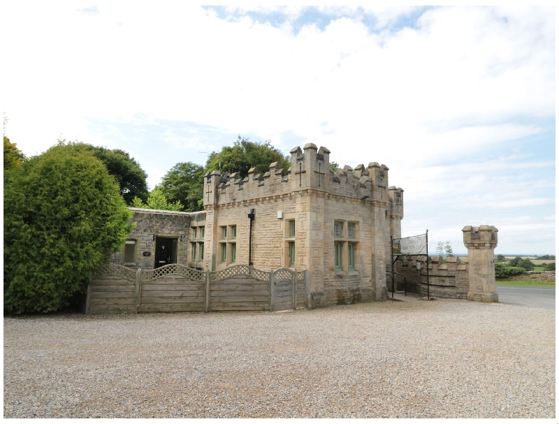 Click here for more about Walworth Castle Lodge