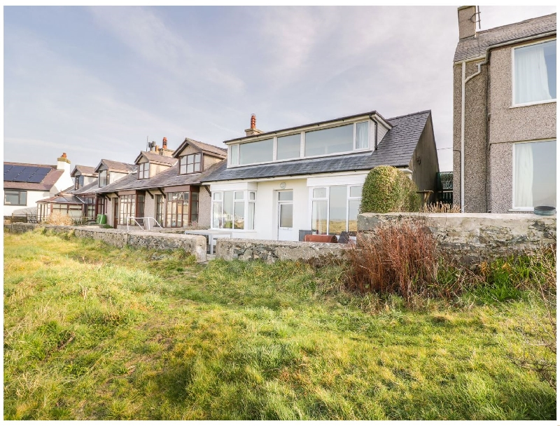 Click here for more about Glan Traeth