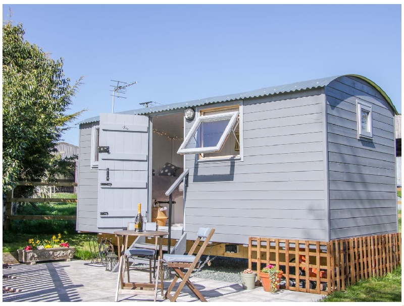 Click here for more about Meadow View Shepherd's Hut