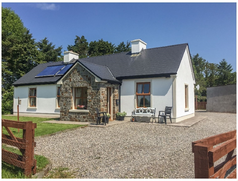 Click here for more about Cloonkee Cottage