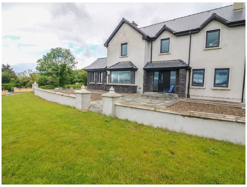 Click here for more about Carraig House