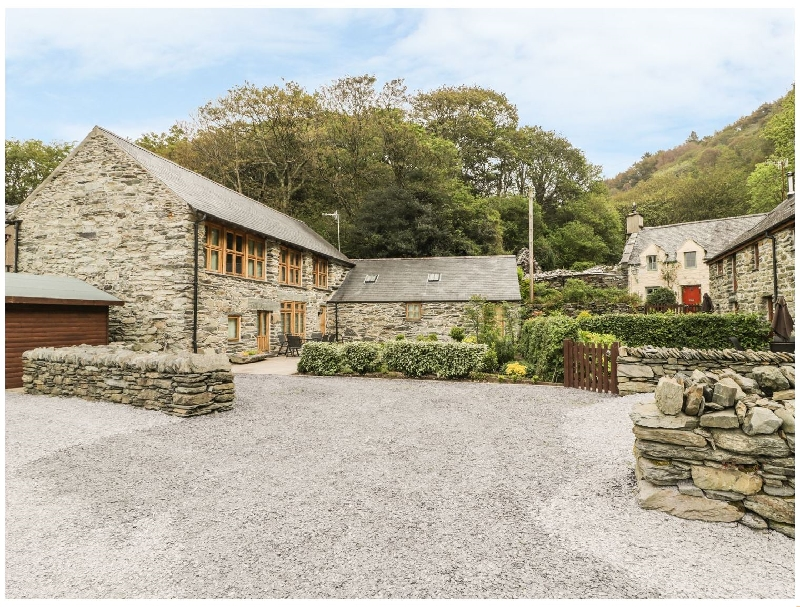 Click here for more about Hendoll Barn
