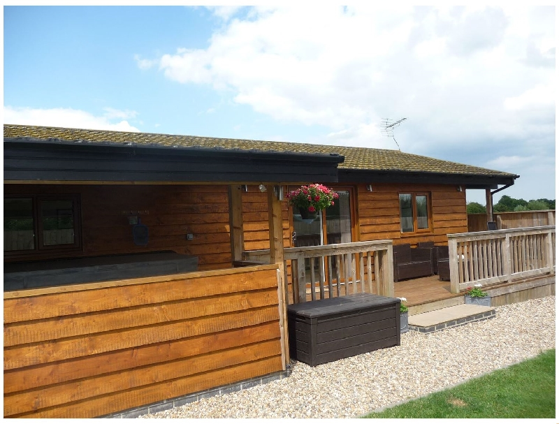 Click here for more about Kingfisher Lodge