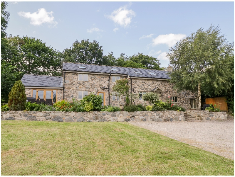 Click here for more about Castell Barn