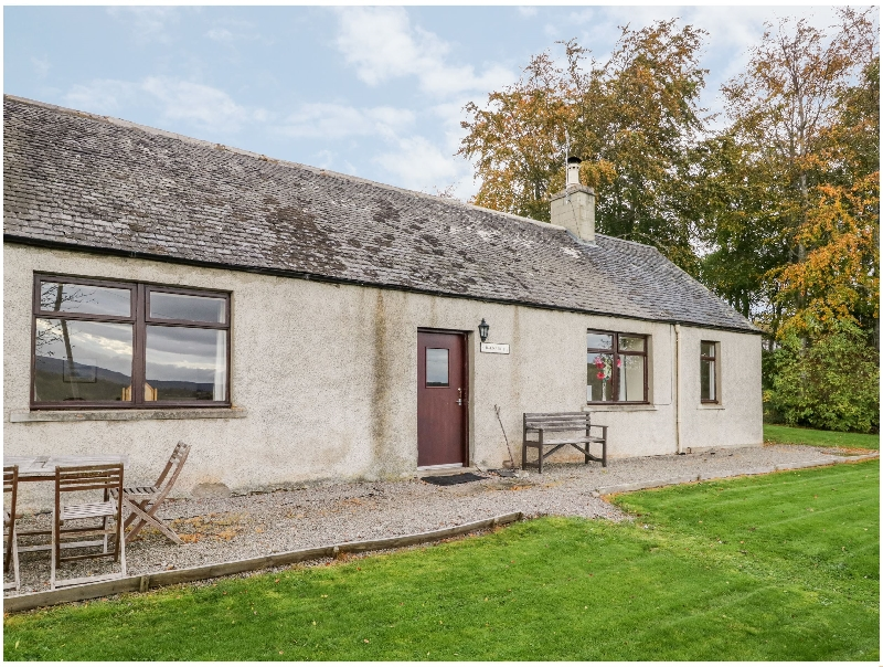 Click here for more about Balnain 2 Holiday Cottage