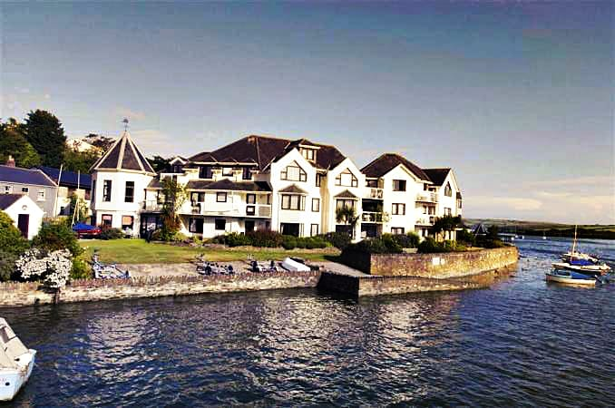 Details about a cottage Holiday at 2 The Moorings