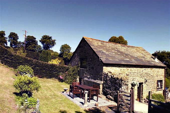 Click here for more about Beckaford Cottage