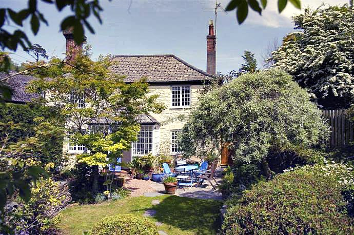 Click here for more about Bridgend Cottage