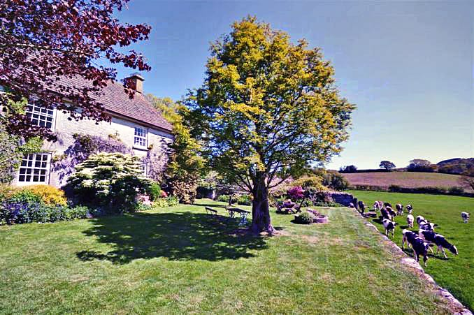 Click here for more about Neadon Cottage