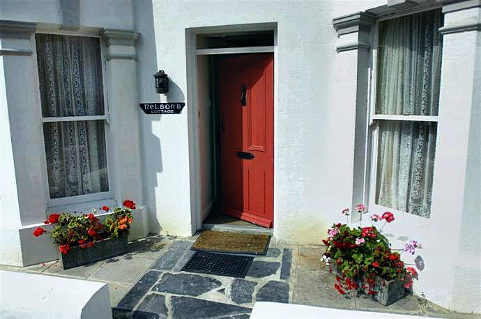 Nelsons Cottage is in Looe, Cornwall